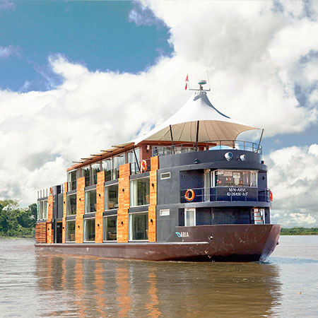 Amazon luxury cruise on the river